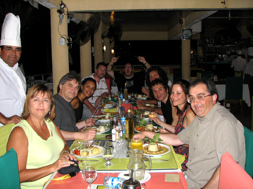 Comprador e Imagem group having dinner in Fortaleza at Seu Faustino's in 2007