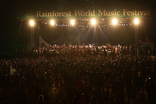 Grand Finale jam at Rainforest World Music Festival 2015 - Photo by Madanmohan Rao