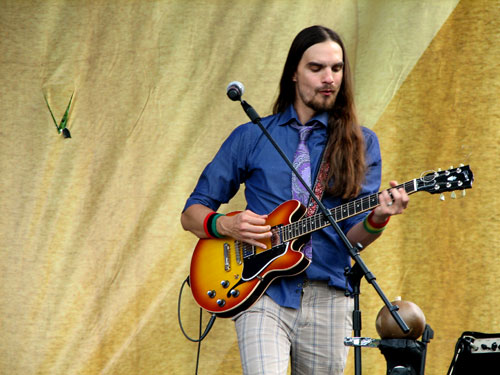 Locos Por Juana's guitarist Mark Kondrat in Durham, North Carolina, 2009 - Photo by Angel Romero