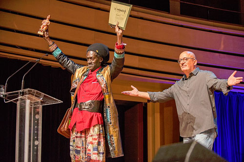 Cheikh Lô receiving his award - Photo by Yannis Psathas