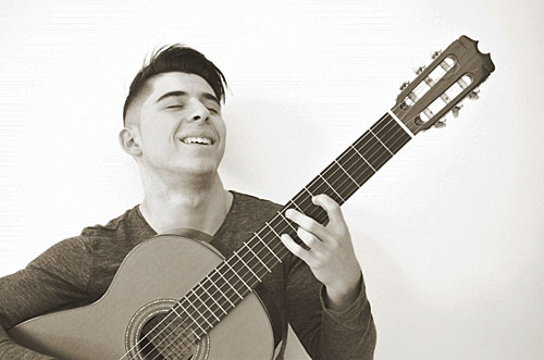 Flamenco Guitar Sensation Amós Lora to Perform Today in Madrid
