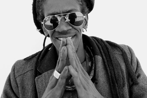 Cheikh Lo - Photo by Bernard Benant
