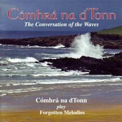 Cómhrá na dTonn by Máire Nic Dómhnaill Gairbhí