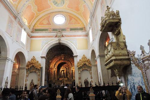 Convento do Espinheiro chapel - Photo by Angel Romero