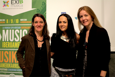 From left to right: Mary Hormaetxea, Communications Director of Exib; Chilean singer Paula Herrera; and Adriana Pedret, Director General of Exib