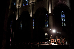 EVO performance at the cathedral - Photo by Anna Brugués