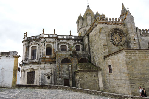 Evora cathedral - Photo by Angel Romero