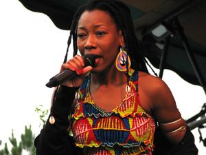 Fatoumata Diawara (Mali) - Photo by Angel Romero