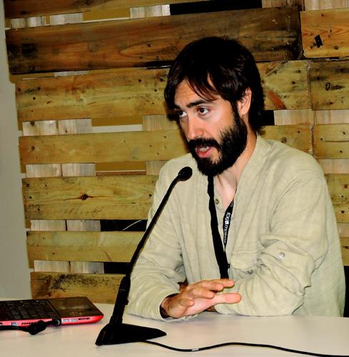 Juan Manuel Campos presenting the International Networking of Folk Festivals at EXIB 2015