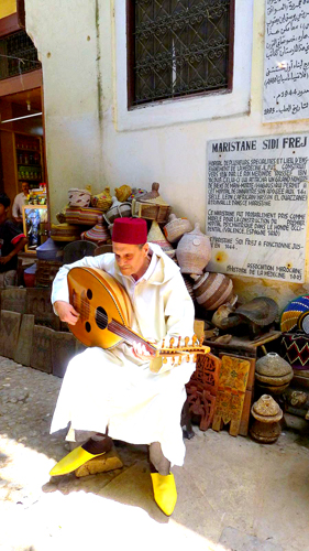 Andalusian Maristan oud player, Henna souk - Photo by Evangeline Kim