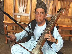 Dilruba maestro Ustad Amruddin