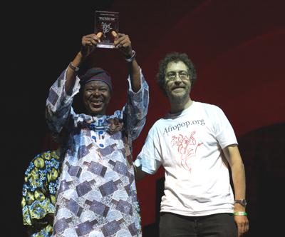 King Sunny Adé receives Afropop award