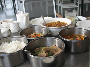 Hainanese tiffin lunch at Lone Pine Hotel in Penang  - Photo by Angel Romero